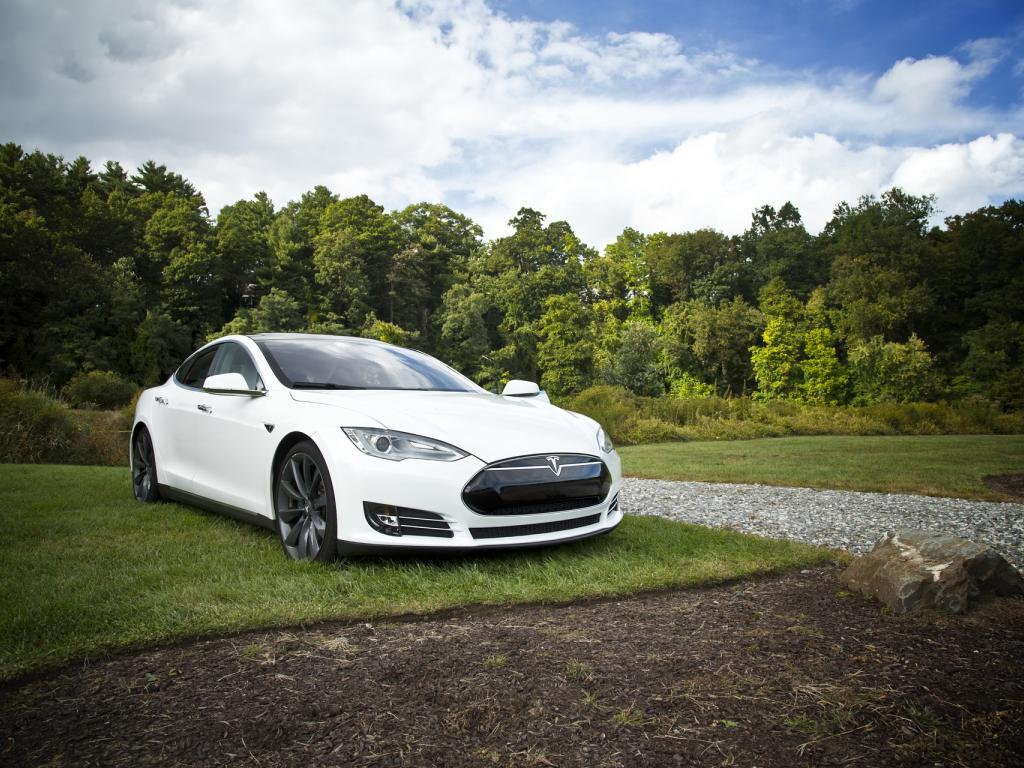 Tesla's Musk says software changes could improve Autopilot