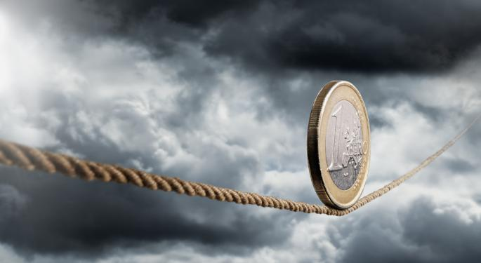 Euro Steady As Investors Anticipate ECB Intervention