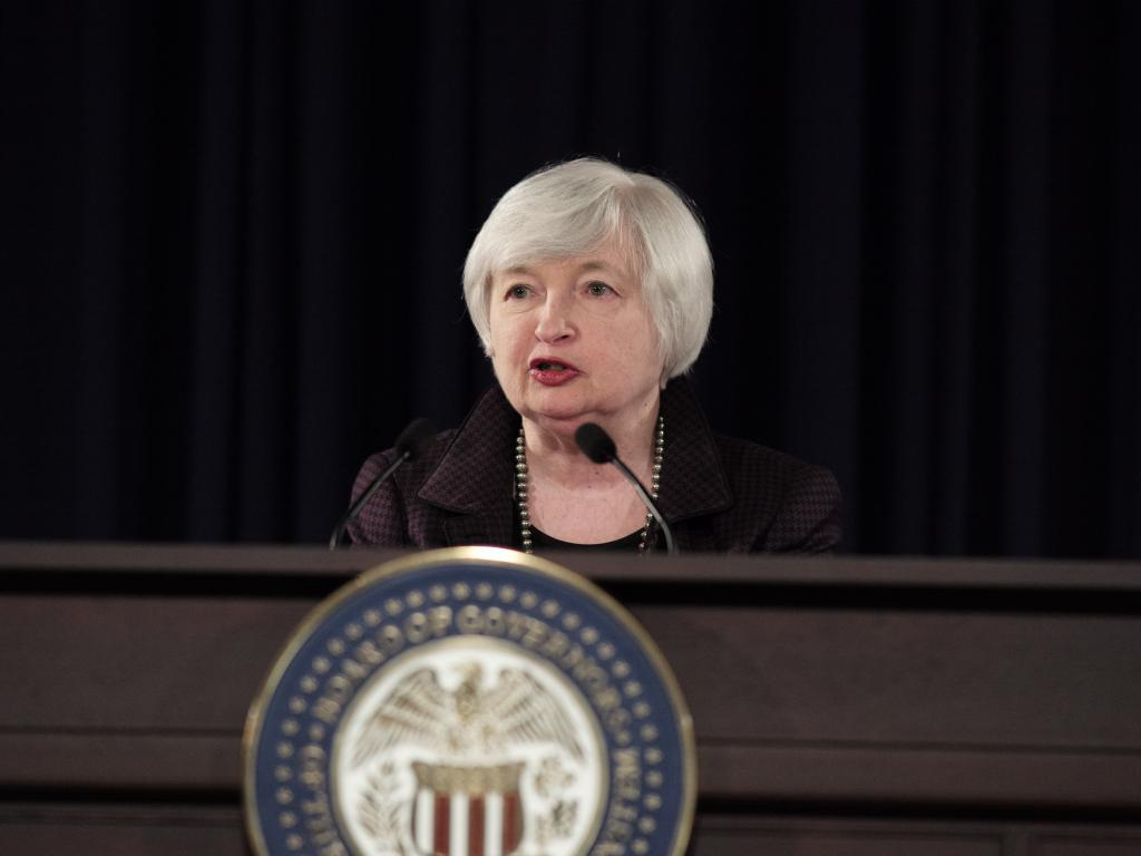 Trump weighs replacing Fed Chair Yellen with ex-Goldman exec