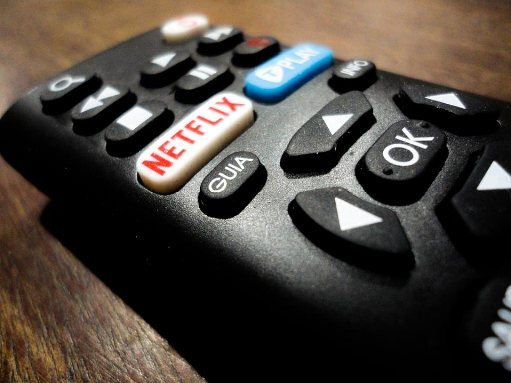 Netflix, Inc. (NASDAQ:NFLX) Stock Traded Over Its 50 Day Moving Average