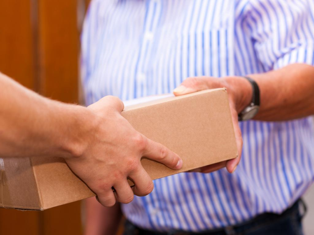 Compare parcel prices from the best couriers.