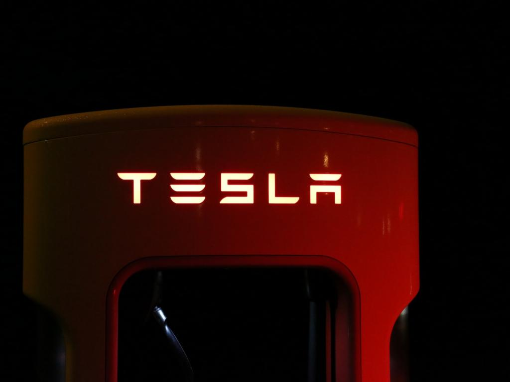 Tesla cash burn condoned as Musk focuses on electric future