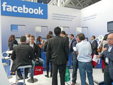 Facebook Paper: A Game-Changing App?