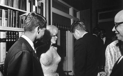 https://commons.wikimedia.org/wiki/File:JFK_and_Marilyn_Monroe_1962_larger.jpg
