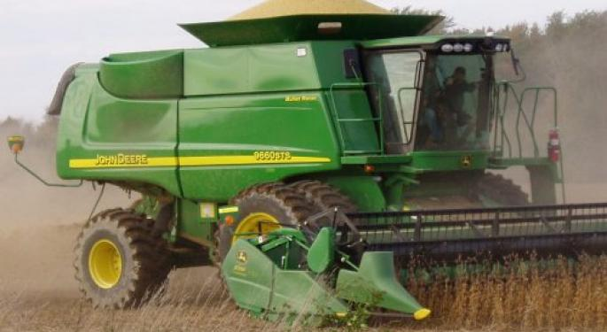 Deere Earnings Preview: Double-Digit Sales, EPS Growth Expected