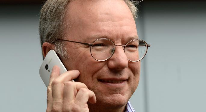 Google's Eric Schmidt Says Switch Your Apple Friends to Android