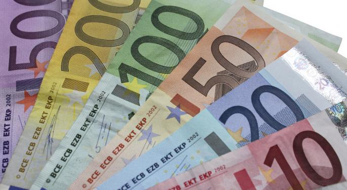 Euro Gains With Dollar Subdued