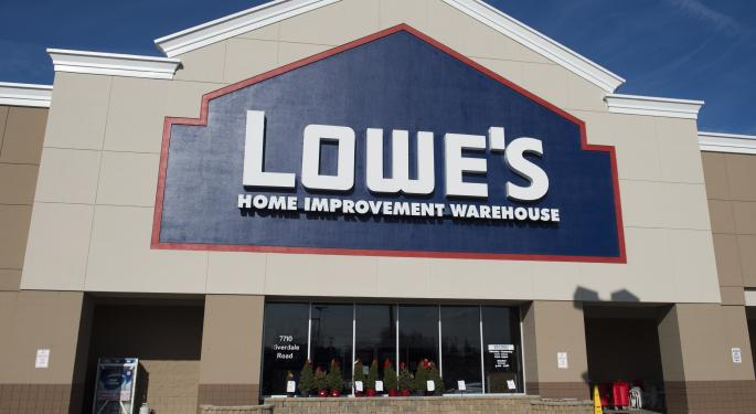 Wedbush Upgrades Lowe's, Says It Can Win From Low Interest Rates
