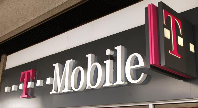 T-Mobile to Raise Nearly $2 Billion for Spectrum