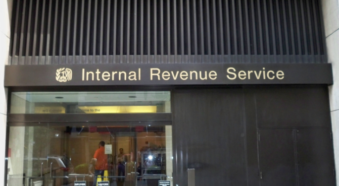 Taxpayer Service Is Eroding At The IRS, New Report Says