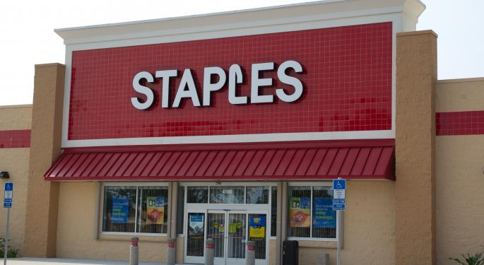 Staples Plummets on Q4 Results