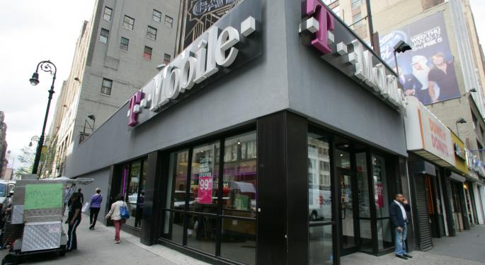 T-Mobile Sold 500,000 iPhones, Could Top Sprint