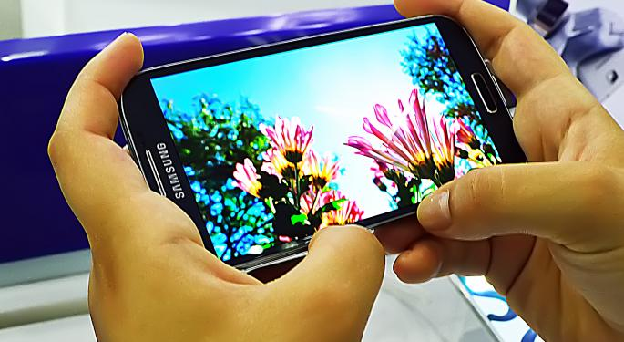 Is Samsung Hedging Its Bets Between Android and Tizen?