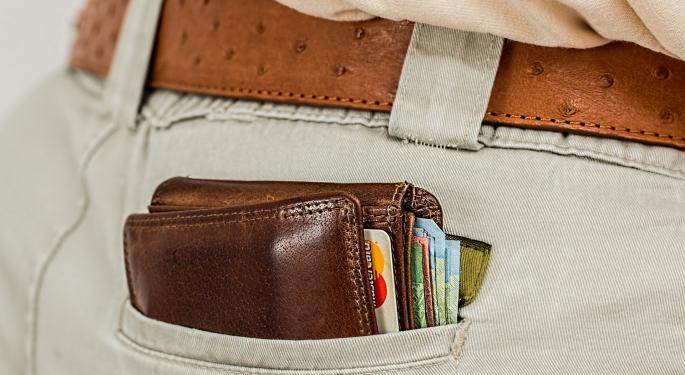Can Square's Online Lending Platform Survive Competition From American Express?