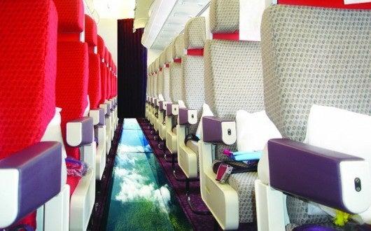 virgin_atlantic_little_red_glass-bottom_plane_a320_cabin-17684-530x330.jpg